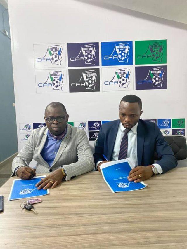 Signature du contrat de représentation entre CFA et PIWI FC